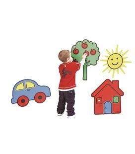 Conceptos gigantes (casa, árbol, sol y coche) henbea